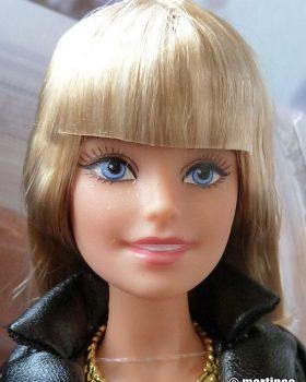 2016 The Barbie Look – Urban Jungle DGY07